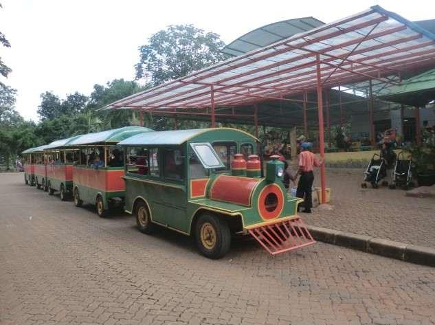Kereta Keliling Ragunan