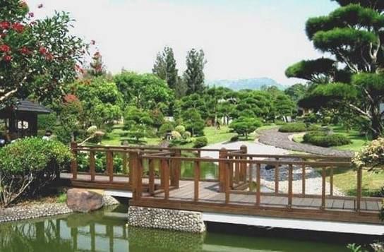 Taman Jepang Taman Bunga Nusantara