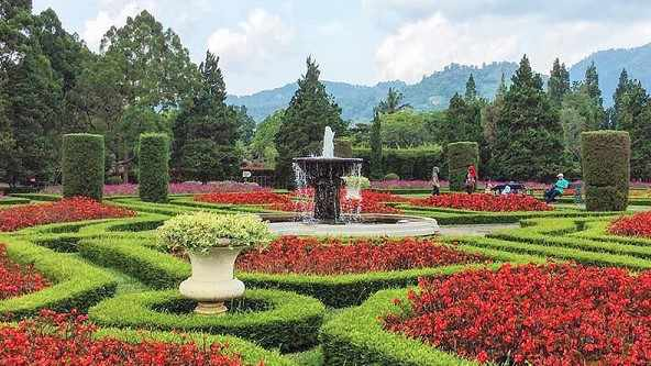 Taman Perancis Taman Bunga Nusantara