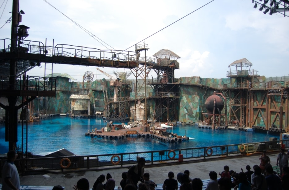 Show Water World
