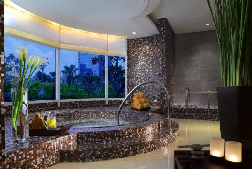 The Ritz-Carlton Hotel Jakarta