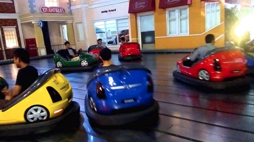 Boom-Boom Car trans studio makassar