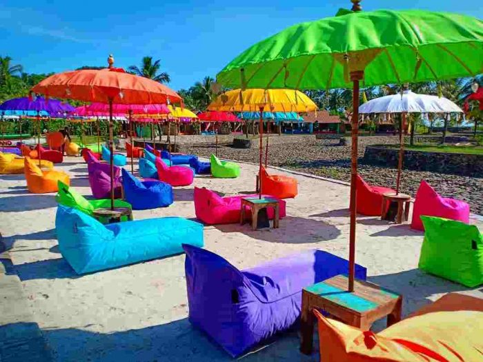 wahana Beach Resort coconut island carita