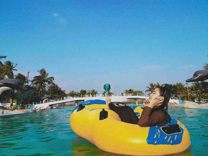 wahana waterpark coconut island carita