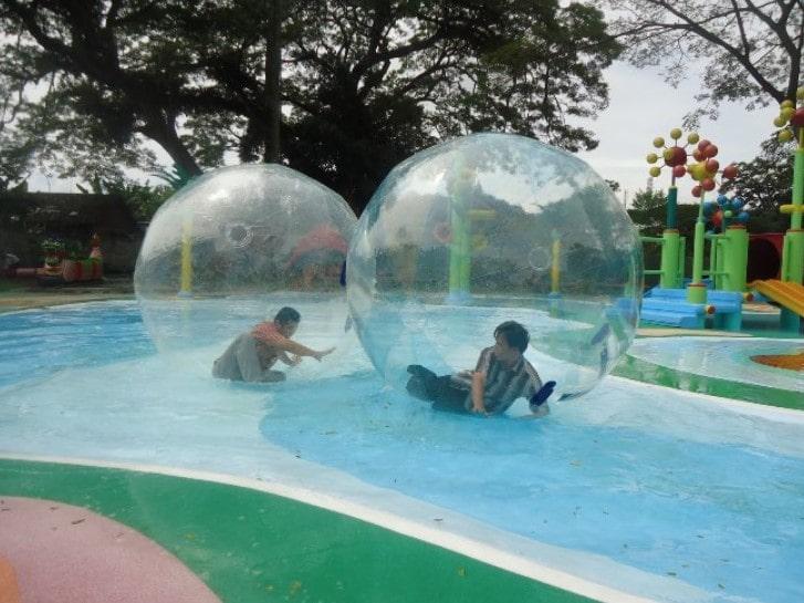 kolam renang manyar surabaya