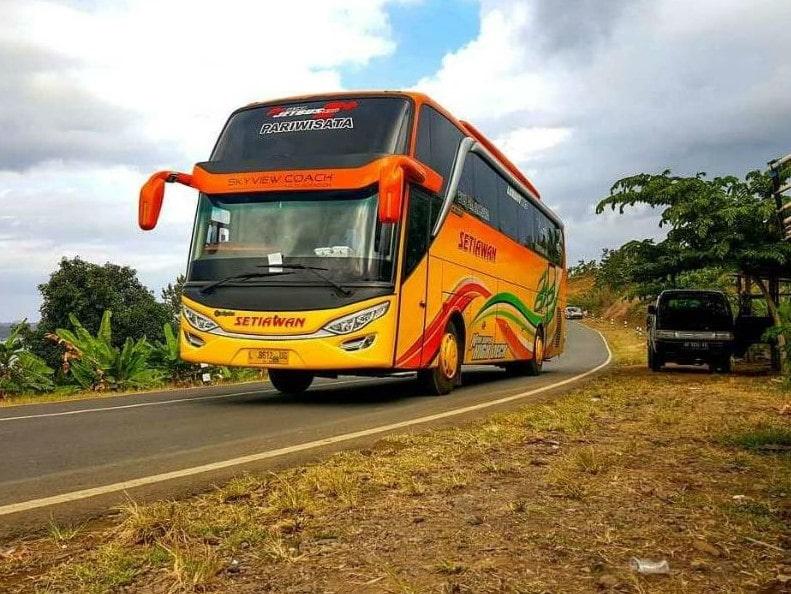 Bus Setiawan